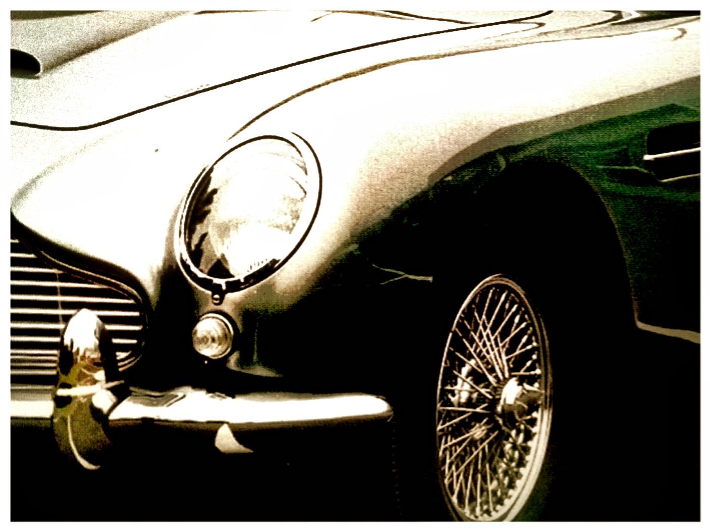 Aston Martin, die Kultmarke, hier der DB5 wie von James Bond