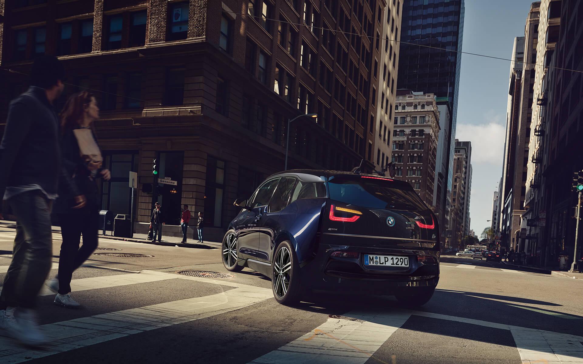 BMW i3 Erfahrungen Heckansicht des i3 von BMW Bildquelle: BMW
