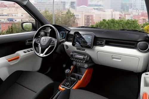 Bild vom Suzuki Ignis 2017 das Micro-SUV von Suzuki Blick in den Innenraum und Cockpit Bildquelle: suzuki.de