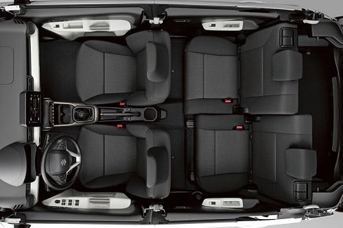 Bild vom Suzuki Ignis 2017 das Micro-SUV von Suzuki Blick in den Innenraum Bildquelle: suzuki.de