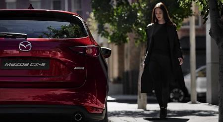 Erfahrungen Mazda CX-5 Bild vom Heck des neuen SUV Bildquelle: mazda.de