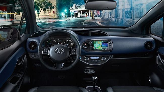 Erfahrungsbericht zum Toyota Yaris Bild vom Cockpit im neuen Yaris Bildquelle: Toyota