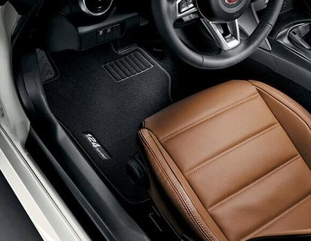 Fiat 124 Spider Erfahrungen Bild vom Innenraum, Ledersitze Bildquelle: fiat.de