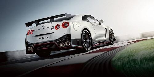 Kandidat 2 der Porsche Killer der neue Nissan GT-R Nismo in der Heckansicht Bildquelle: Nissan.de