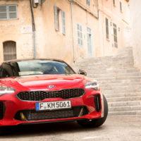 Kia Stinger Erfahrungen der neue Stinger als Coupe Blick auf die Front Bildquelle: press.kia.com