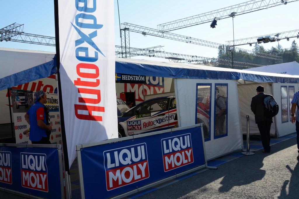 Motorsport-Garage1