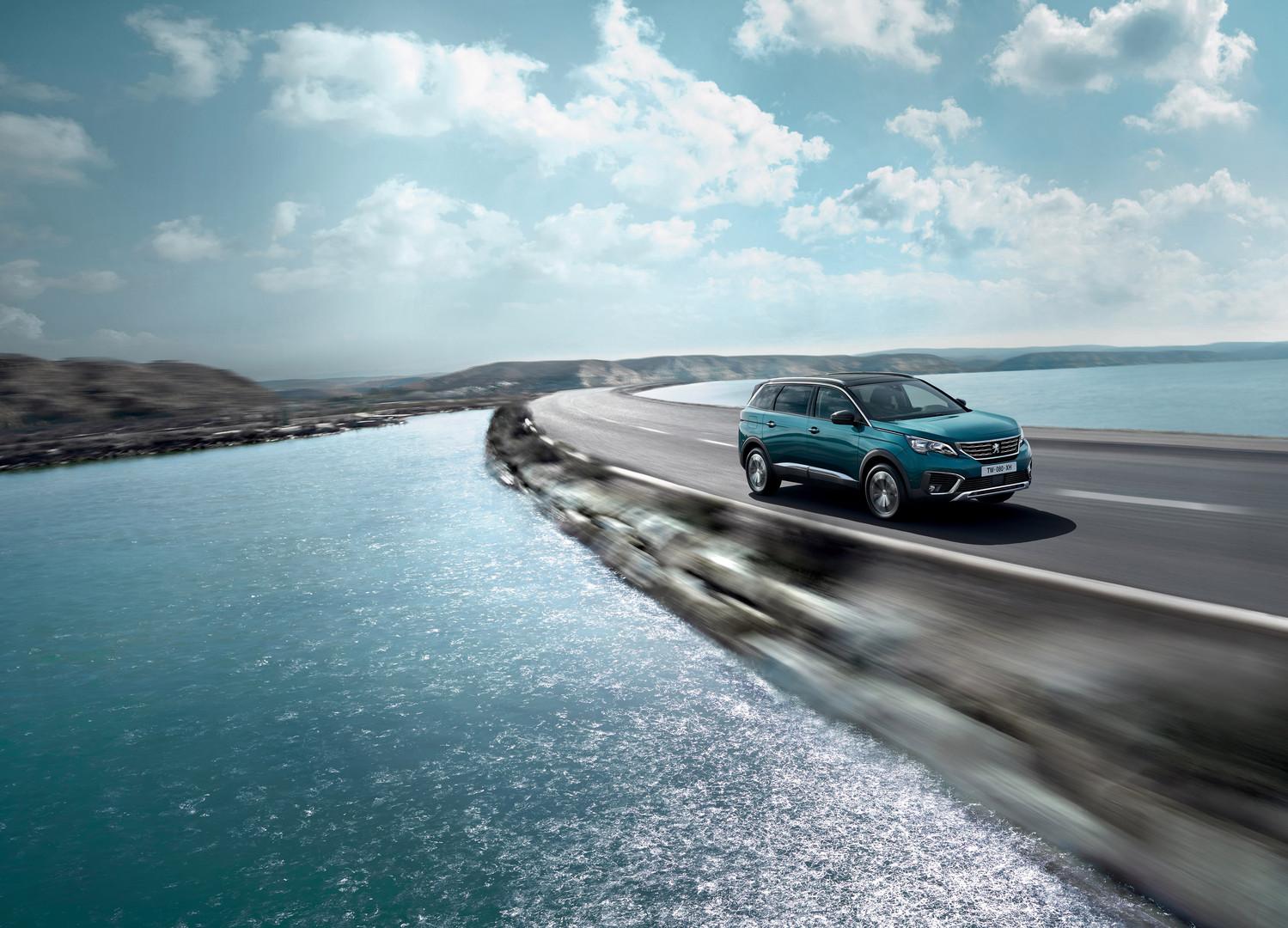 Neue Peugeot Modelle der 5008 SUV in Aktion Bildquelle: Peugeot.ch