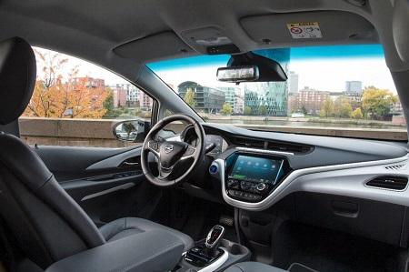 Opel Ampera-E 2017 das neue Elektroauto von Opel Blick in den Innenraum-Interieur des Ampera-E Bildquelle: media.gm.com