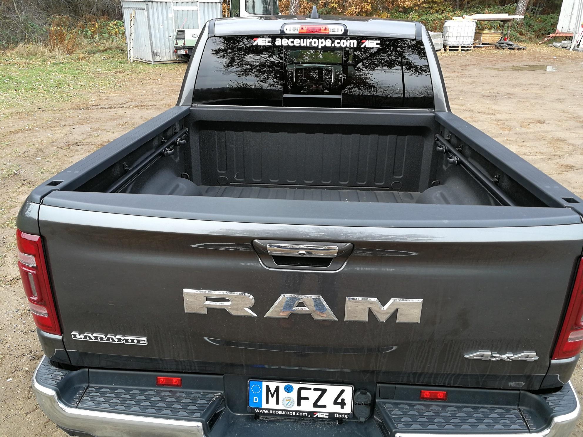 RAM 1500 2019 Heckansicht mit AHK