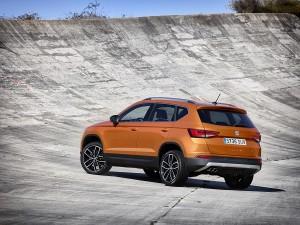 Seat Ateca SUV - der neue Seat Ateca zeigt sich von der Seite, der erste SUV von Seat überhaupt Bildquelle: Seat.de