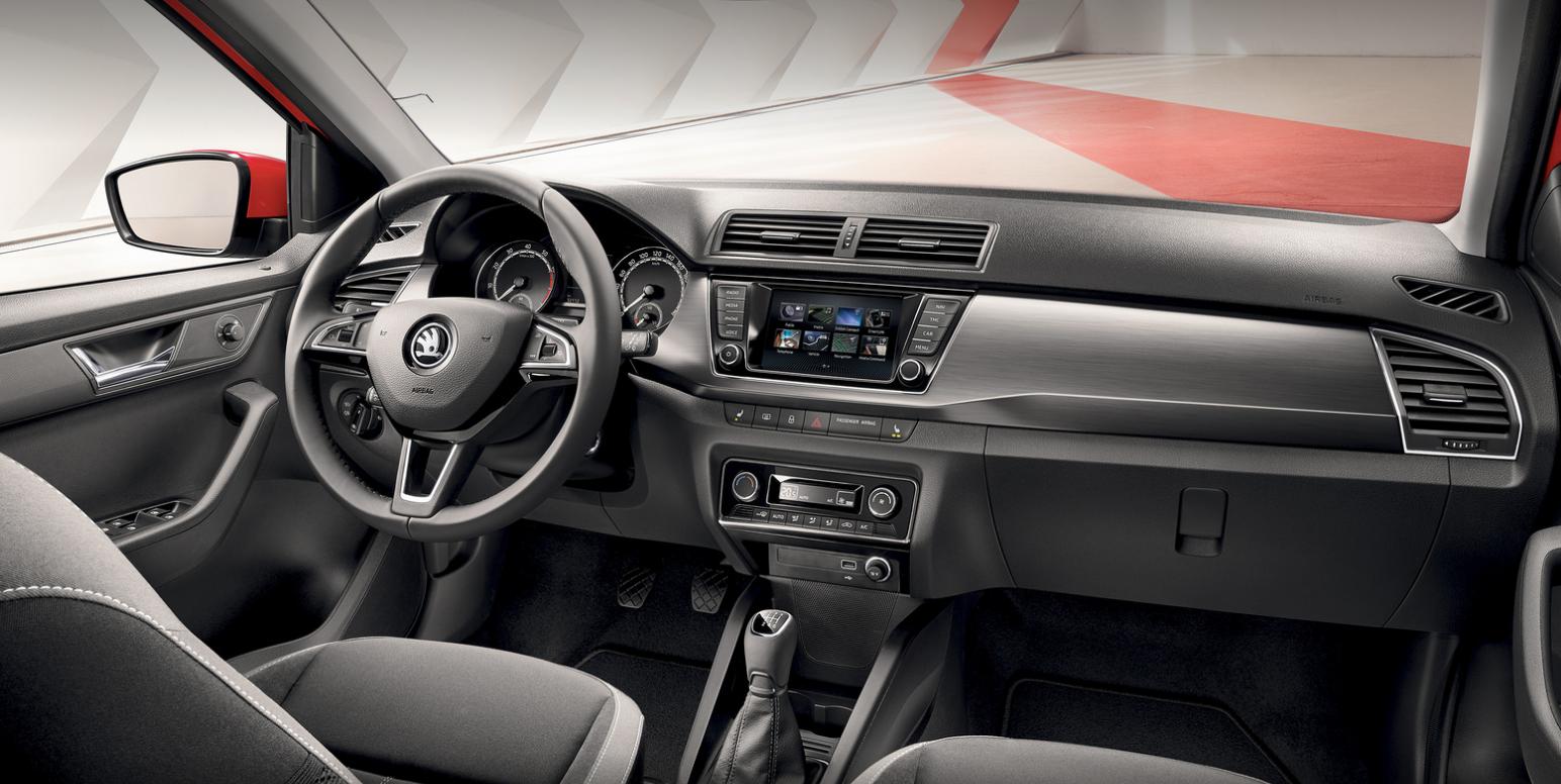 Skoda Fabia Facelift Blick in den Innenraum des Updates Bildquelle: skoda-auto.de