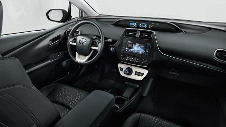 Toyota Prius 4 Erfahrungsbericht Erfahrungen zum Prius IV Bild vom Innenraum des Prius Bildquelle: toyota.de