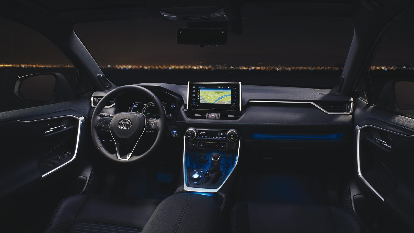 Toyota RAV4 2019 Daten und Fakten hier der Innenraum samt Cockpit Bildquelle: toyota.de