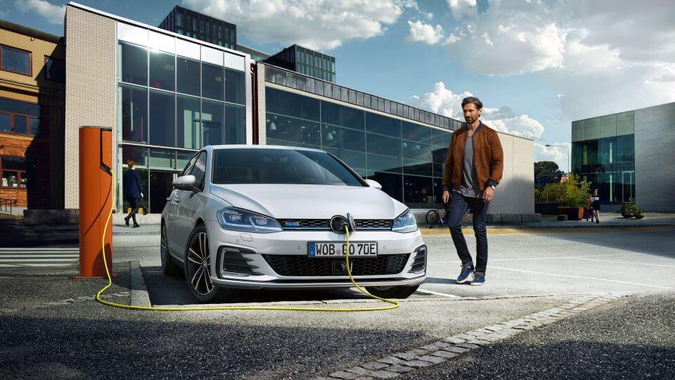 VW Golf GTE Erfahrungen Blick auf die Front-Kühlergrill Bildquelle: Volkswagen.de