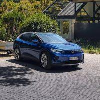VW ID.4 Anhängelasten, Blick auf die Front mit Anhänger Bildquelle: Volkswagen